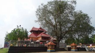 Malanada Poruvizhi Duryodhana Temple